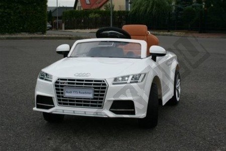 Audi TTS ROADSTER battery red lacquered