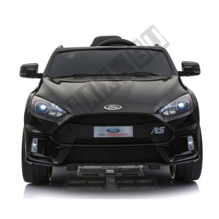 Auto on battery Ford Focus RS 2 engines black