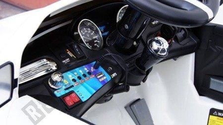 Auto na akumulator MASERATI LEVANTE biały VIP